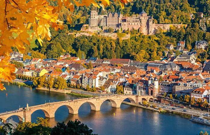 Ein Blick in die Stadt Heidelberg im Rheinland, Germany/Deutschland/Alemania.