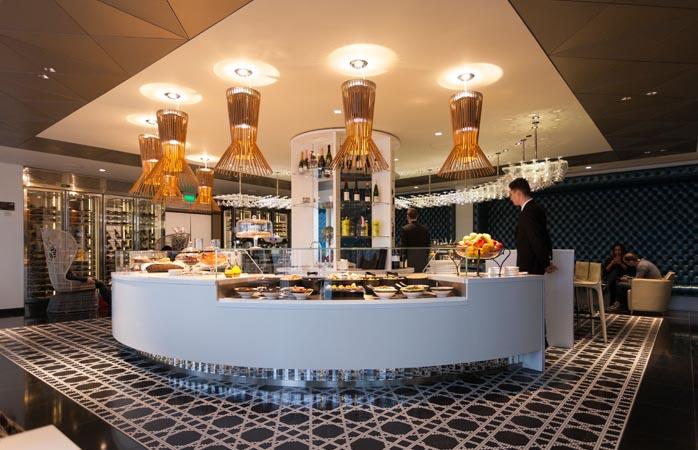 Die Business-Class-Lounge von Qatar in London Heathrow. Nicht übel ...