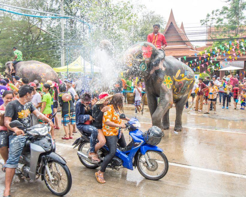 Songkran: Eine Reise zum Wasserfest Thailand 2017