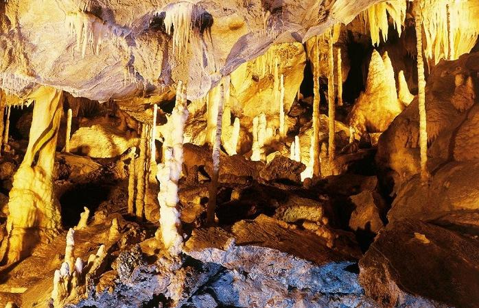 Tropfsteine der Atta-Höhle in Attendorn
