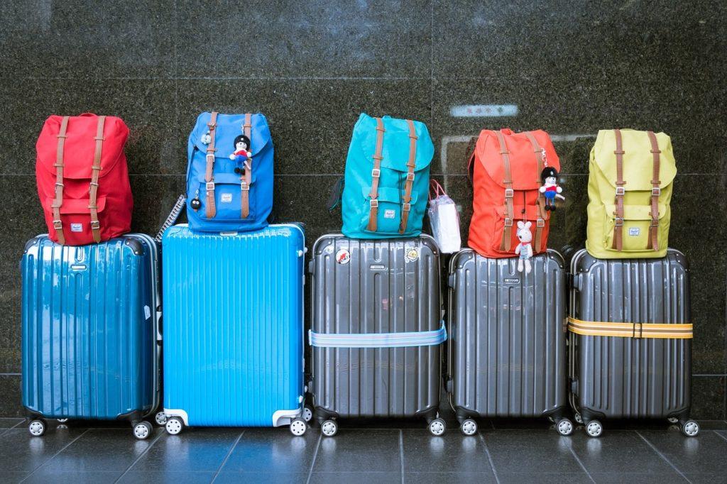 Handgepäck Rucksack und Koffer