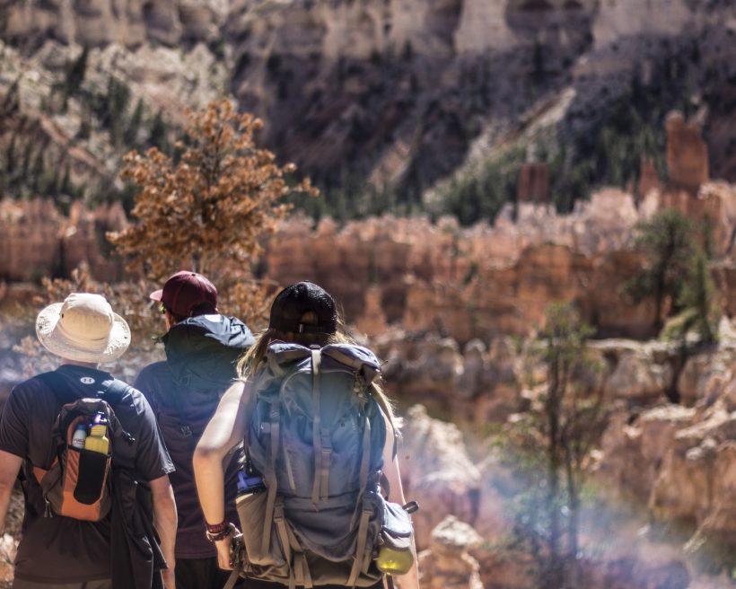Handgepäck Rucksack vs. Koffer: Die beste Option für deine Reisen